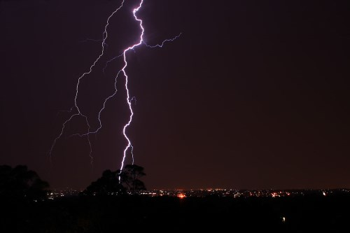 Lightning strikes spark surge in insurance claims