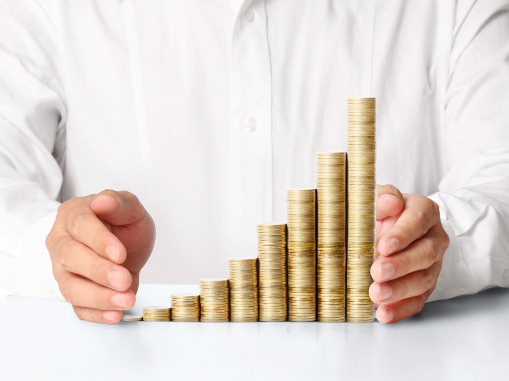 Insurance executives' salaries rise up to 8.7%
