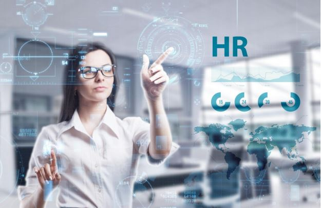 How can HR help develop an innovative culture?