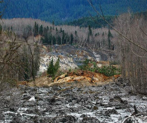 """""""Absolutely heartbreaking"""" lack of coverage for Wash. landslide victims"""