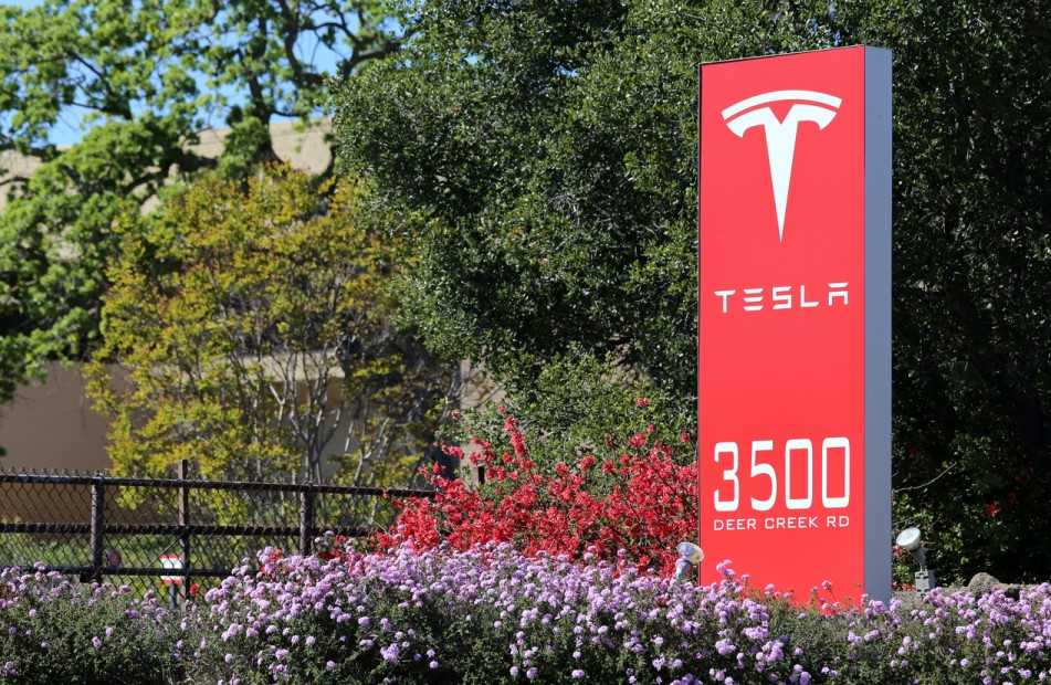 Tesla HR chief suggested promoting workers to block union plans