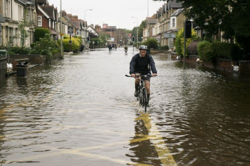 Levee breaks as more insurers give brokers flood support
