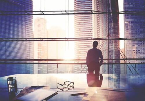 Industry lawyer praises insurance brokers