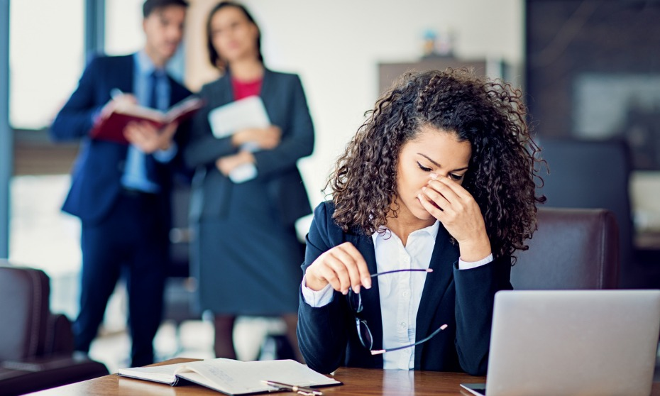 How should HR respond to bullying?