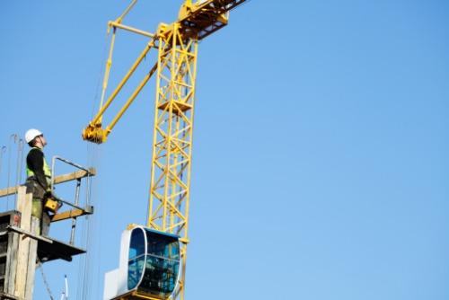 Heavy Iron Underwriters deploys insurance program for crane and rigging operators