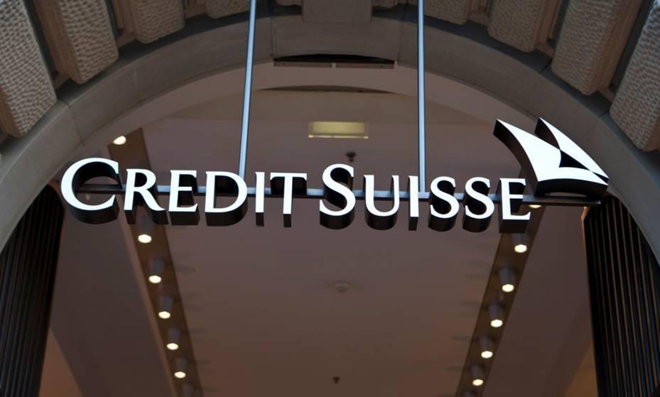 Credit Suisse shuffles top execs