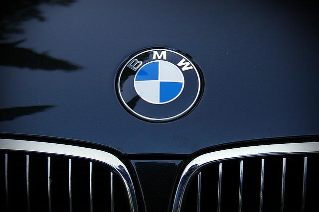 Allianz signs five-year BMW deal