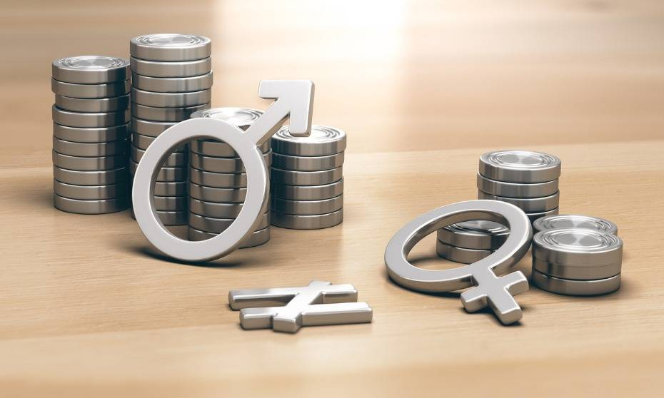 How can HR help close the gender pay gap?