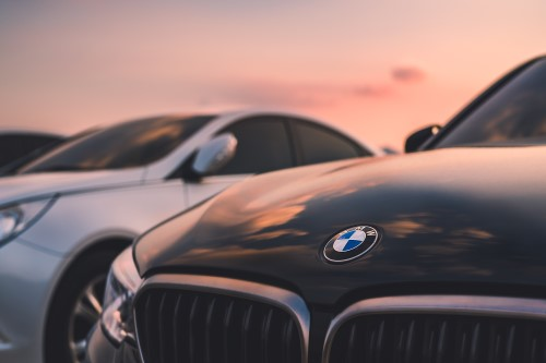 BMW recalls more than 180,000 cars over fire risk