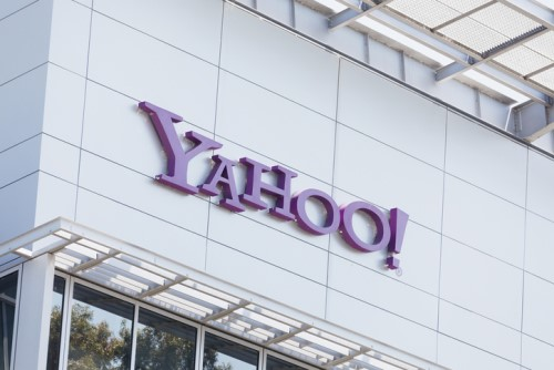 Yahoo embraces bell curve ranking