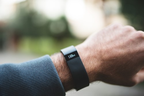 Fitbit kicks off digital health coaching platform for employers