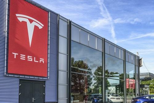 Why Tesla's insurance efforts may fail