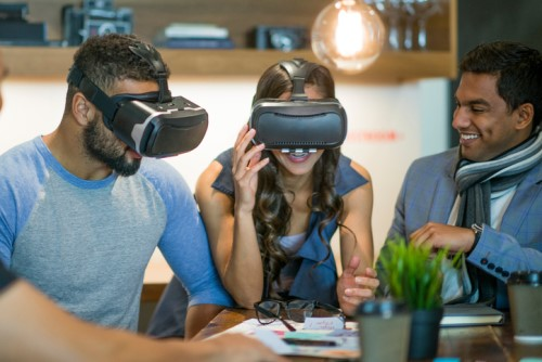 HR Tech Roundup: VR training, mobile jobs app, talent analytics