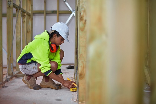 Booming US construction firms face new workers' comp risks