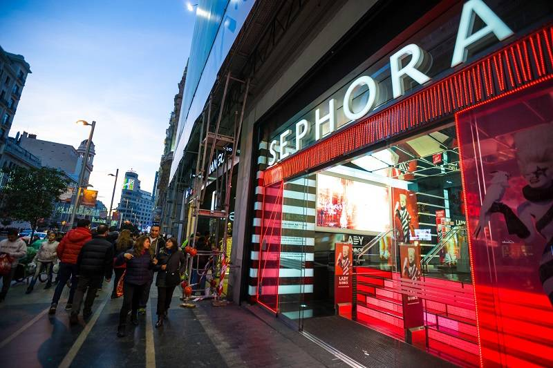 Sephora shuts US stores for anti-bias training