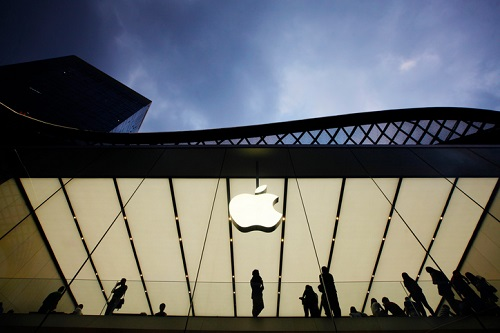 Apple gets scepticism at US Supreme Court in bid to stop antitrust suit