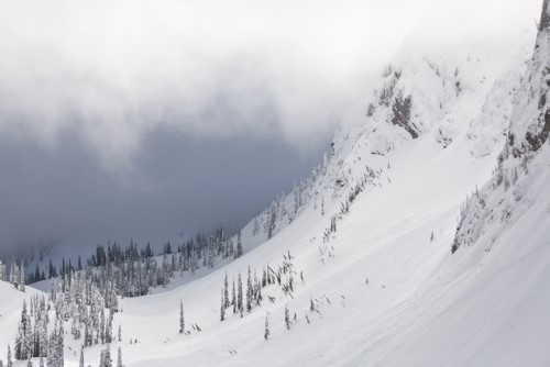 Mountain guide non-profit sued for avalanche death