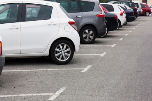 How do Kiwi drivers rate their parking, driving abilities?