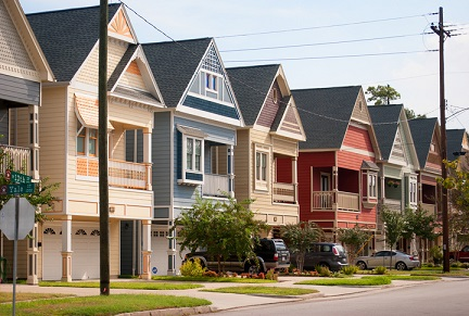 Distressed sales fall to 10-year low, fewer cash buyers