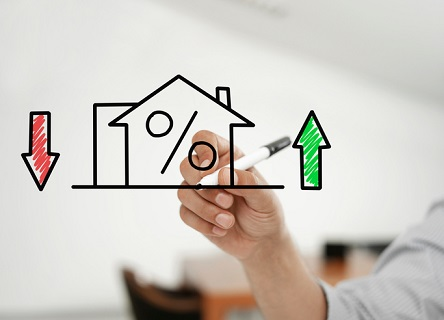 Purchase applications slip despite lower rates