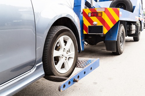 CAA calls on Ontario government to prioritize towing regulation