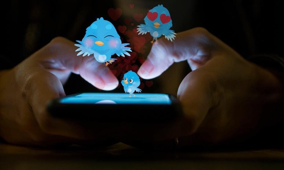 #LiesOnMyResume: HR jokes take over Twitter