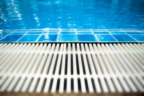 How pool drains can become underwater hazards for carefree swimmers