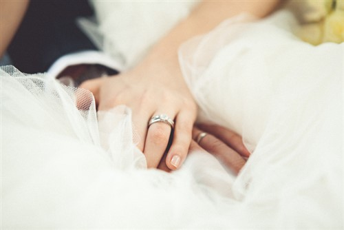 Hotel goes into liquidation, leaves marrying couples devastated