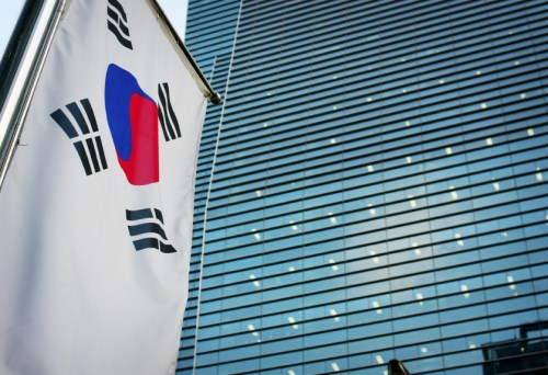 Chinese firms seen to bid for top South Korea insurer