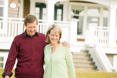 How should home-sharinginsurance gaps be closed?