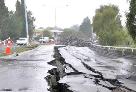 Expert warns of 'knee jerk' earthquake reaction