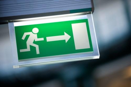 Senior UK insurance regulator to quit