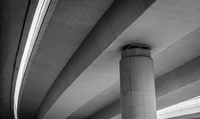 Top UK life insurers seal infrastructure deals