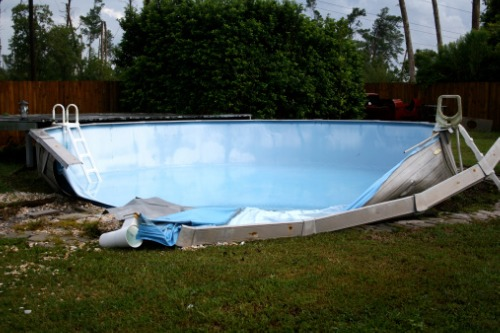 Collapsed pool tussle sends message to insurance customers - report