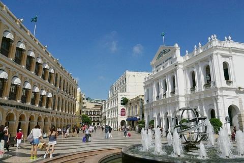 Macau insurers adapt to travel alerts